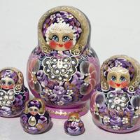 販売のためのバブーシュカ人形