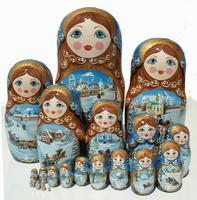 大規模な冬の人形