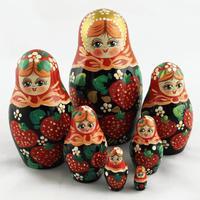Bonecas de madeira