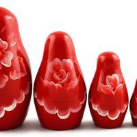 Красный матрешки