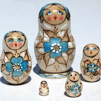 Небесно-блакитний квітка лялька