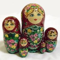 Бордовый куклы