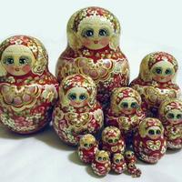Κόκκινο κούκλες