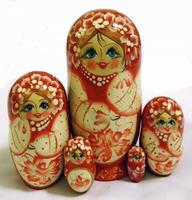 Traditionelle røde matryoshka