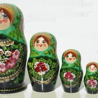 Yeşil matryoshka
