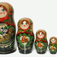 Гнездене руски кукли