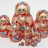 Czerwona zimowa matryoshka