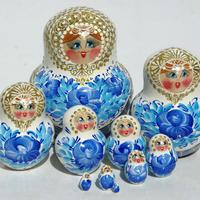 Light blue nesting dolls
